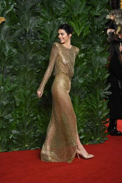 L'avantage du maxi talon doré? Des jambes interminables comme Kendall Jenner et une silhouette ultra-légère.