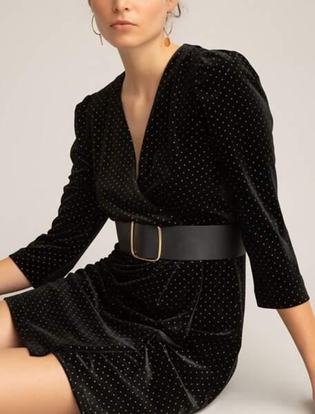 Robe portefeuille en velours noir à pois brillants, 49,99 €, La Redoute.