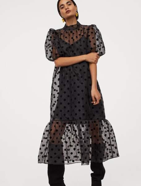 Robe noire en organza, 34,99 €, H&M.