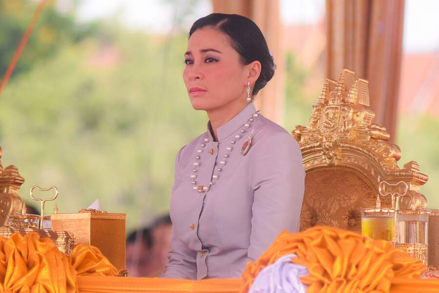 La reine Suthida de Thaïlande, ancienne concubine royale du prince héritier Maha Vajiralongkorn.