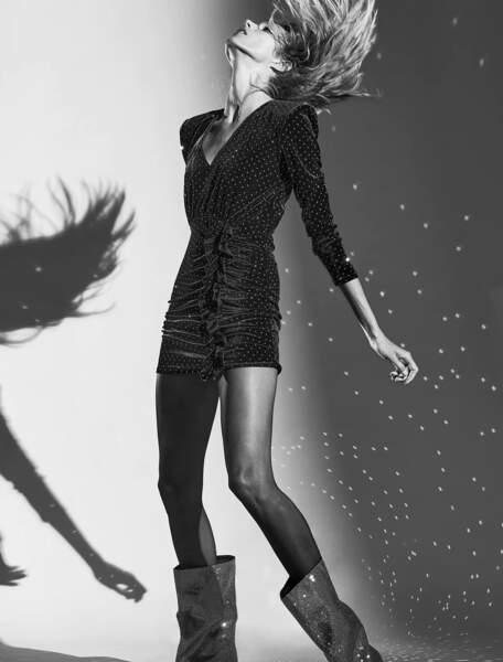 Robe noire courte à épaulettes, 39,95 €, Zara.