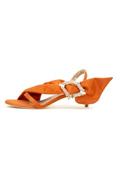 Sandales en satin Fay, Maya Lakis, 720 €.