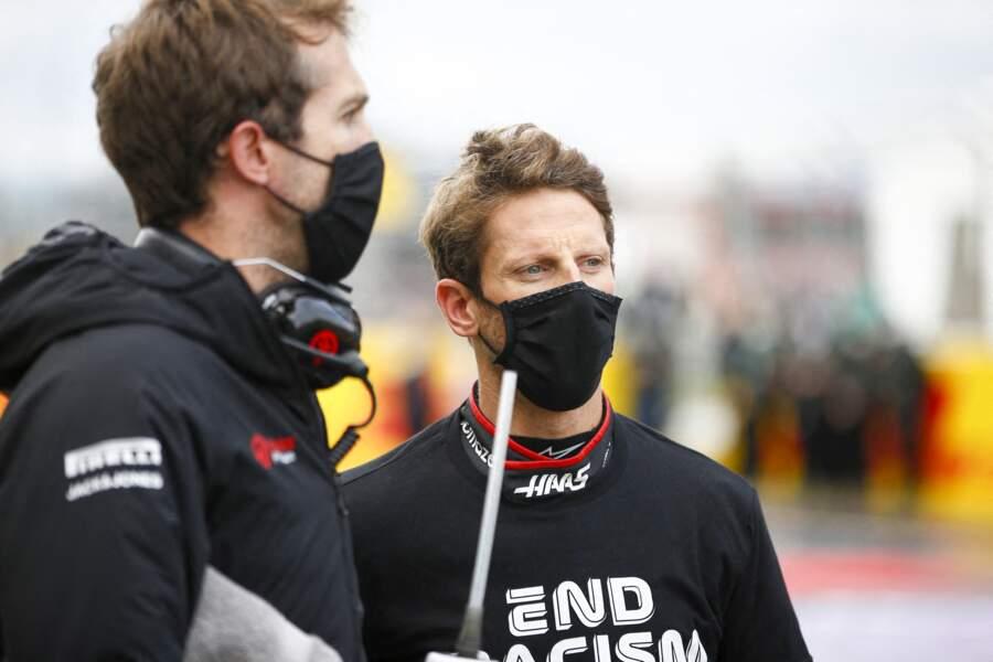 Romain Grosjean, pilote de F1, a été victime d'un terrible accident au départ du Grand Prix de Bahreïn ce dimanche 29 novembre.