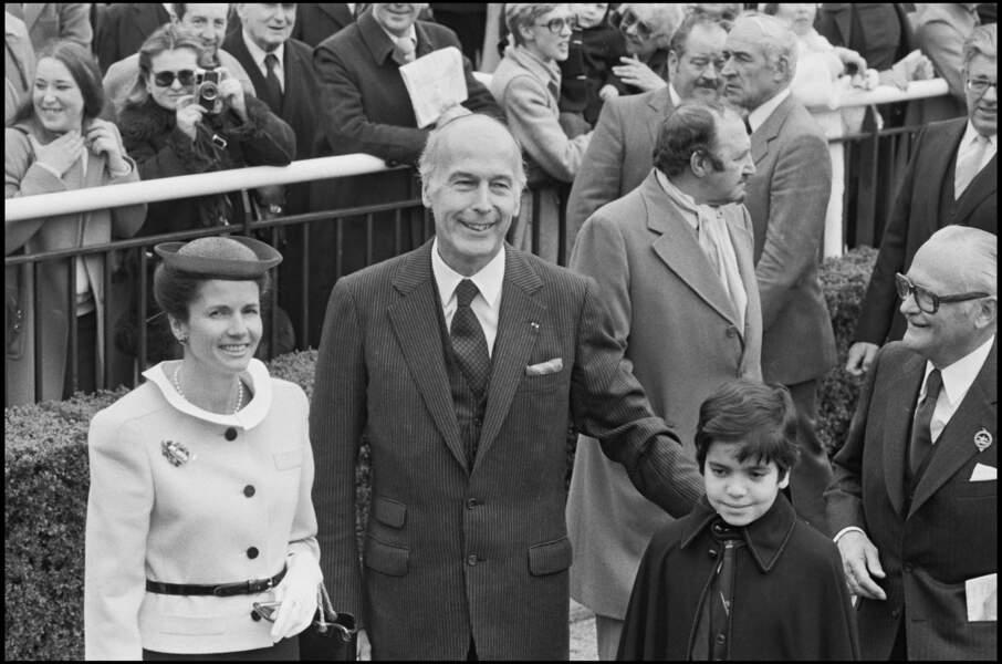 Valéry Giscard d'Estaing et sa femme Anne-Aymone au Grand Prix de l'Arc de Triomphe en 1980.