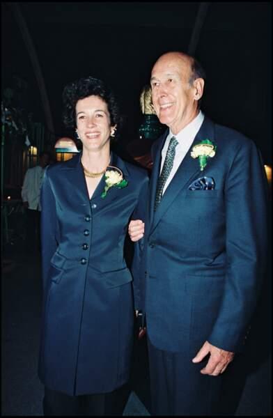 Valéry Giscard d'Estaing tout sourire avec sa fille Jacinte, au Jumping de Bercy en 1997.