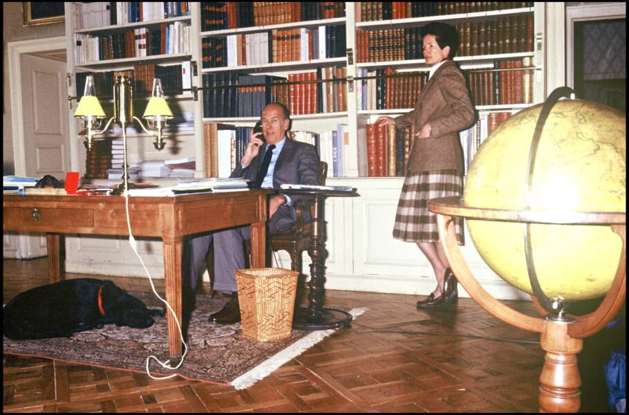 Valéry Giscard d'Estaing et sa femme Anne-Aymone dans leur château de Varvasse à Chanonat en 1987.