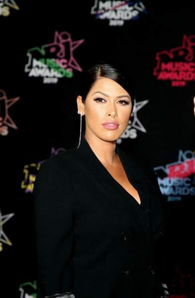 Ayem Nour prend la pose à la 21ème édition des NRJ Music Awards