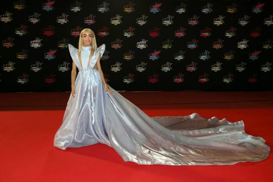 Bilal Hassani en robe longue à la 21ème édition des NRJ Music Awards