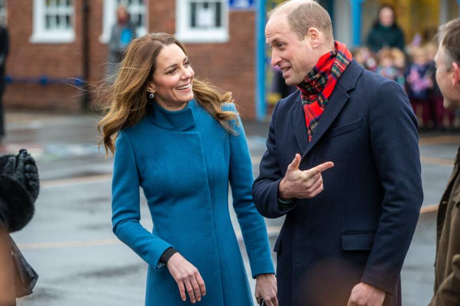 Le prince William et Kate Middleton rencontrent le personnel et les élèves lors d'une visite à la Holy Trinity Church of England First School à Berwick upon Tweed le deuxième jour d'une tournée de trois jours à travers le pays, le 7 décembre 2020