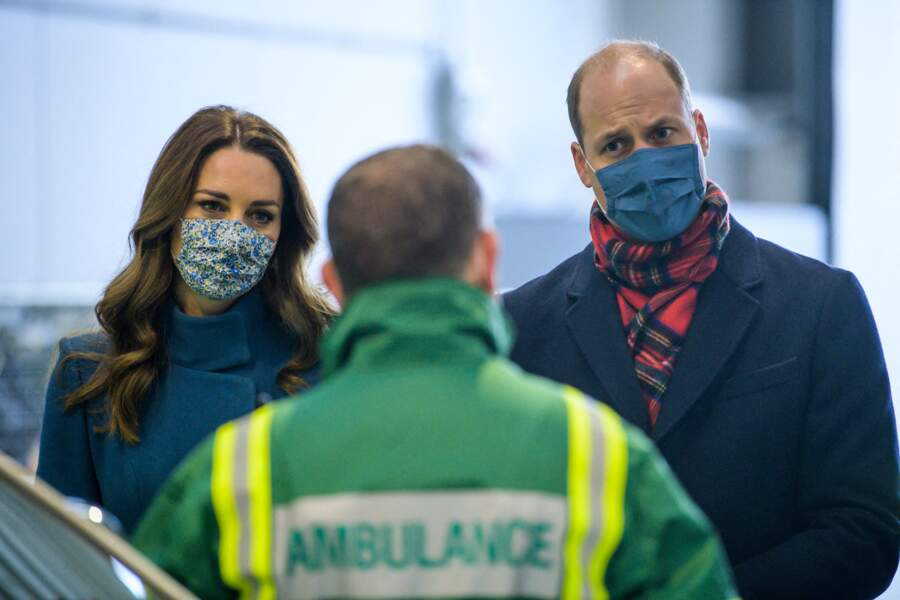 Le prince William et Kate Middleton visitent un centre de secours à Newbridge en Ecosse, le 7 décembre 2020