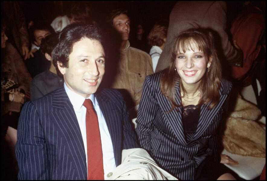 Si Michel Drucker n'a pas eu d'enfant, l'animateur entretient avec sa belle-fille, Stéphanie Jarre, une relation quasi-filiale (ici en 1982)