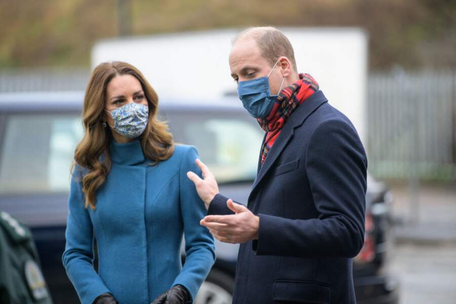 Le prince William et Kate Middleton visitent un centre de secours à Newbridge en Ecosse, le 7 décembre 2020.