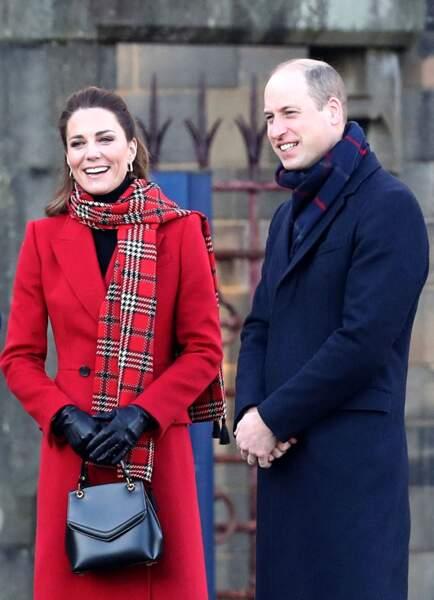 Le prince William, duc de Cambridge, et Catherine Kate Middleton, duchesse de Cambridge arrivent au chateau de Cardiff le dernier jour de leur tournée au Royaume Uni le 8 décembre 2020.