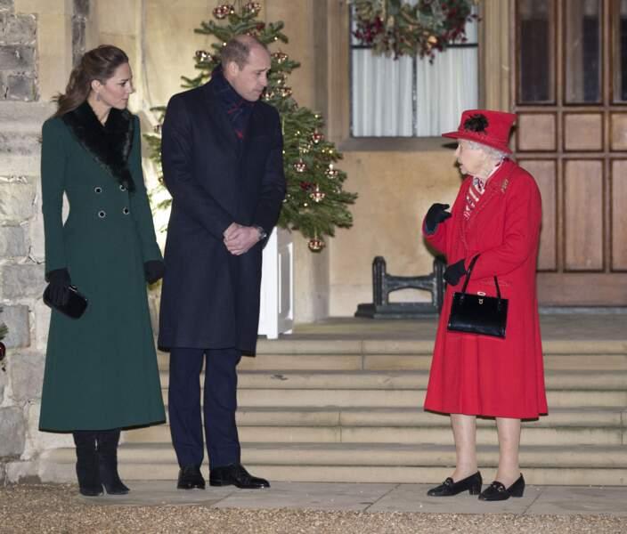 Kate Middleton, le prince William, la reine Elisabeth II d'Angleterre - La famille royale se réunit devant le chateau de Windsor, le 8 décembre 2020.