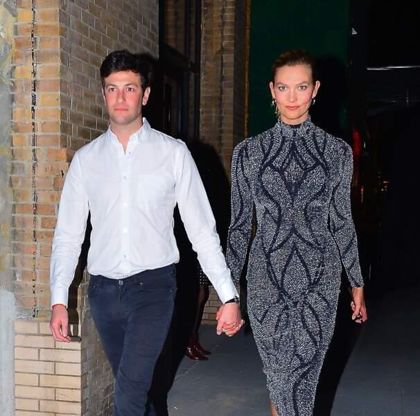 Joshua Kushner (le frère de Jared Kushner, l'époux d'Ivanka Trump), et son épouse, la mannequin Karlie Kloss, en avril 2019, à New York.