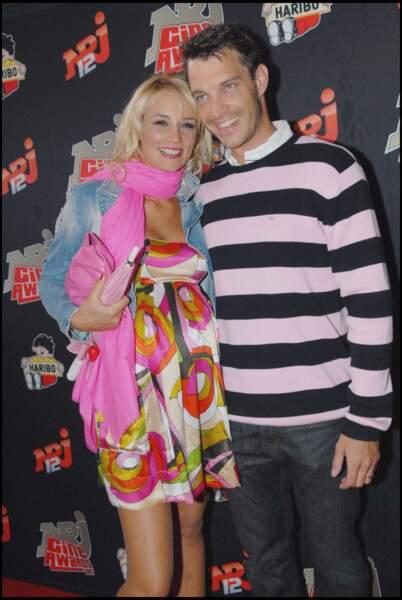 Elodie Gossuin enceinte de son mari Bertrand Lacherie aux NRJ Cine Awards au Grand Rex en 2007.