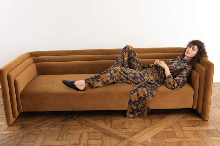 Ensemble pyjama satin de soie Ballet, Laurence Tavernier, chemise 229 €, pantalon 199 €.