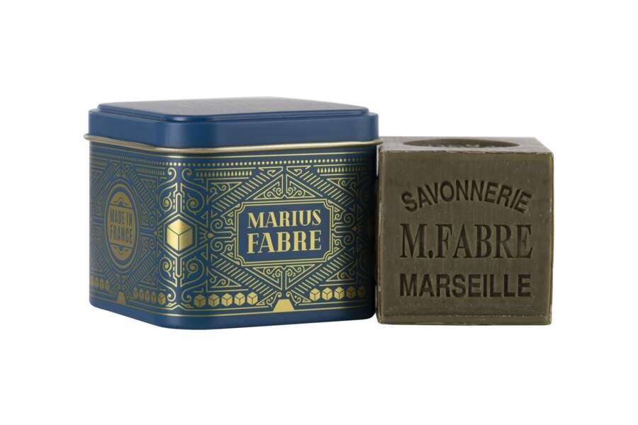 Savon de Marseille et sa boîte en métal, Marius Fabre, 9 €.