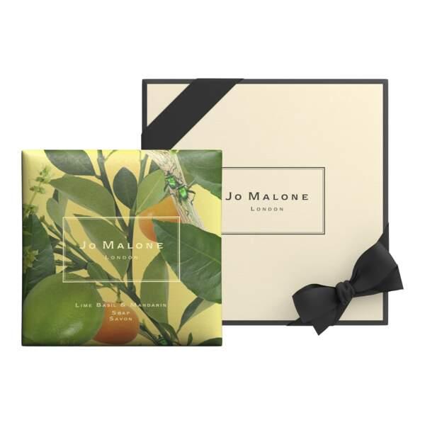 Savon Parfumé Lime Basil & Mandarin, par Michael Angove, Jo Malone, 17 €.
