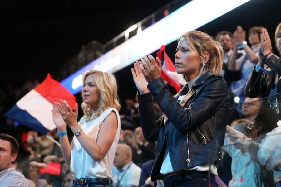 Laurence et Tiphaine Auzière, les filles de Brigitte Macron, à Paris, le lundi 17 avril 2017.