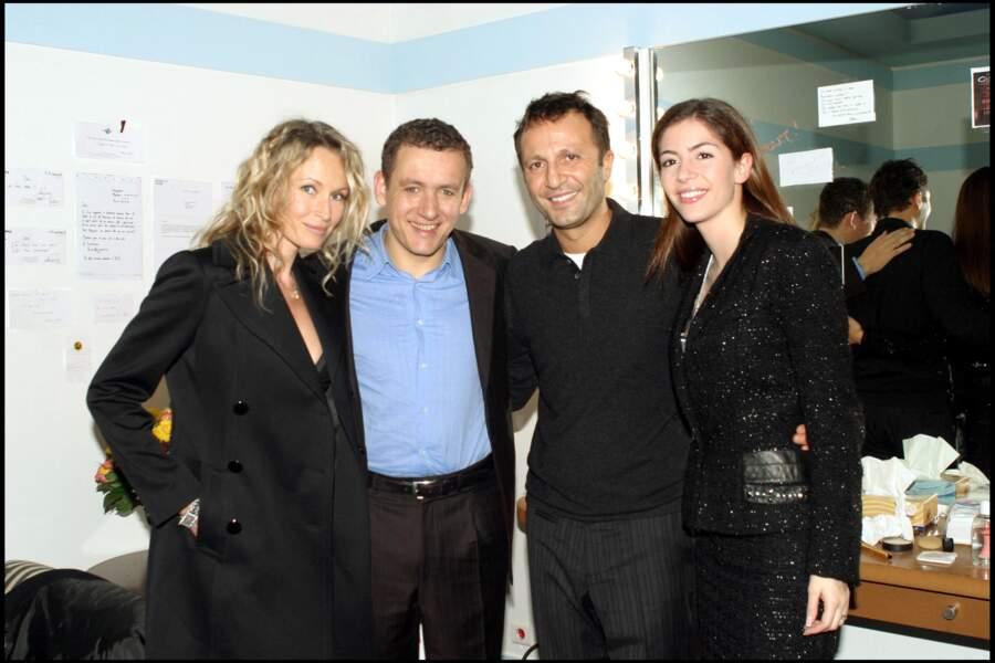 Estelle Lefébur, avec son Dany Boon, son époux Arthur, et l'épouse de Dany Boon, Yaelle, après un spectacle à l'Olympia, le 1er décembre 2004.