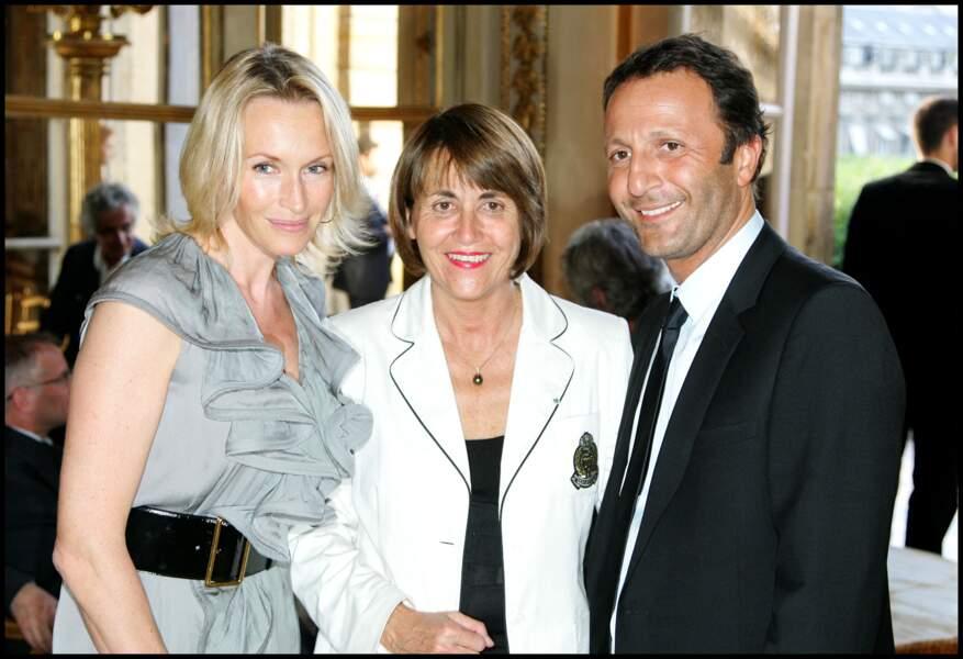 Estelle Lefébure et Arthur, avec Christine Albanel, le 26 juin 2008, quand Dany Boon a été fait officier dans l'ordre des arts et des lettres.