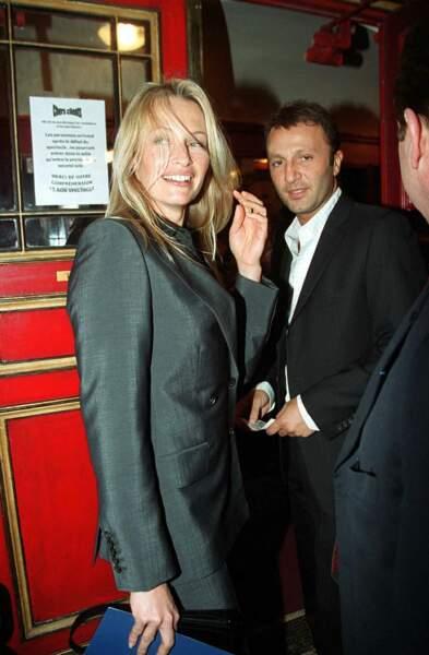 Estelle Lefébure et Arthur, le 7 mars 2002, lors d'une sortie théâtre.