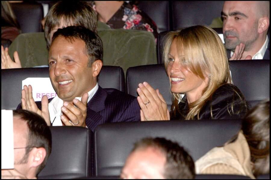 """Arthur et Estelle Lefébure, lors de l'avant-première du film """"Comme t'y es belle"""", le 2 mai 2006."""
