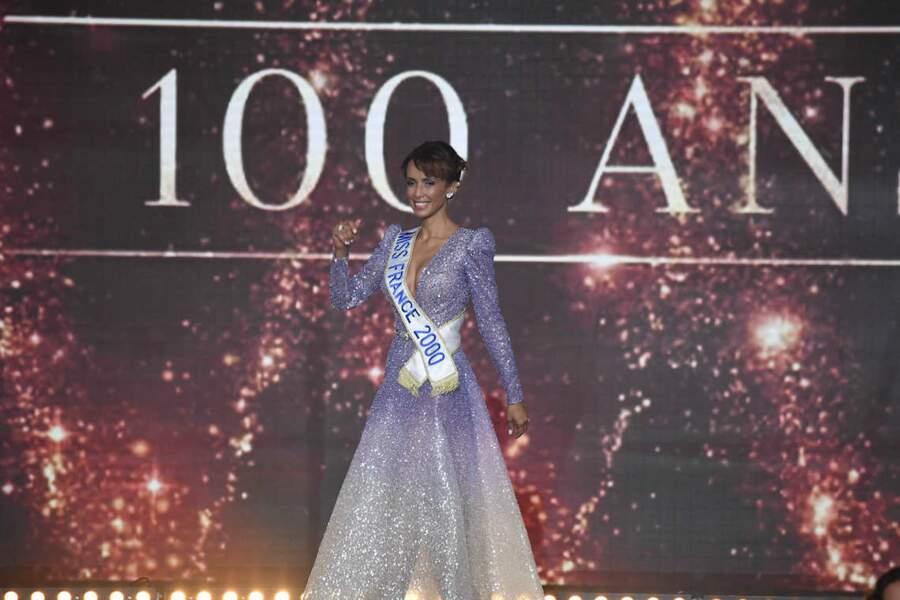Sonia Rolland, féérique lors de l'ouverture de Miss France 2021
