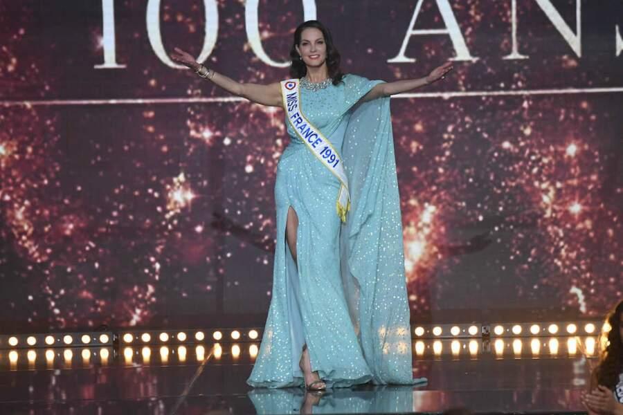 Mareva Georges a bras ouvert lors de l'élection de Miss France 2021