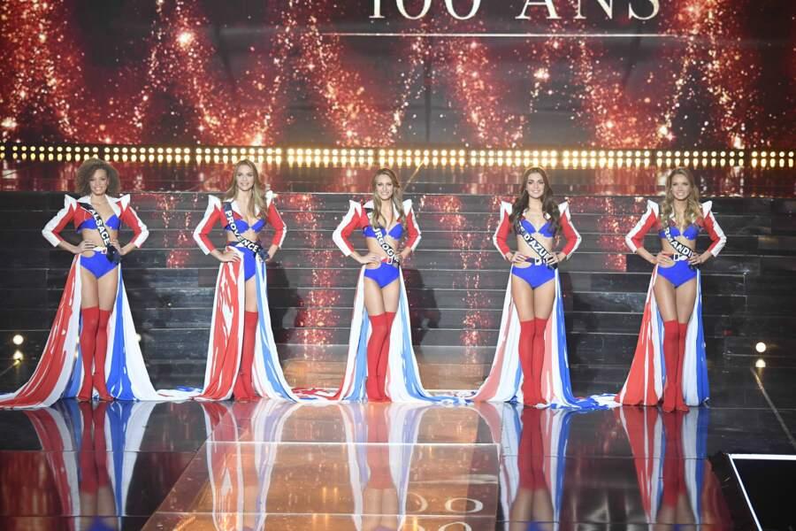 Miss Alsace, Miss Provence, Miss Bourgogne, Miss Côte d'Azur et Miss Normandie lors de l'élection de Miss France 2021