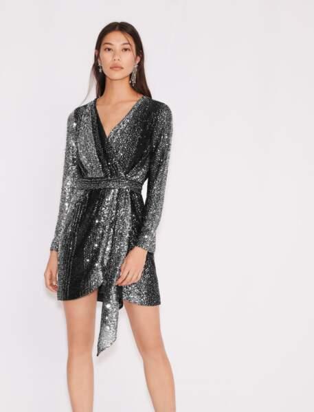 Robe bicolore en sequins 275€, Maje Paris