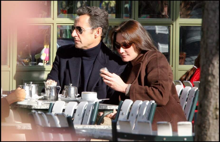 Nicolas Sarkozy et Carla Bruni en amoureux au Pavillon de La Lanterne.