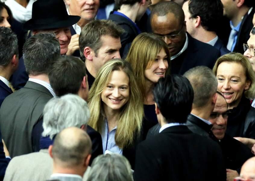 Carla Bruni-Sarkozy et sa demi-soeur Consuelo Remmert en 2014.