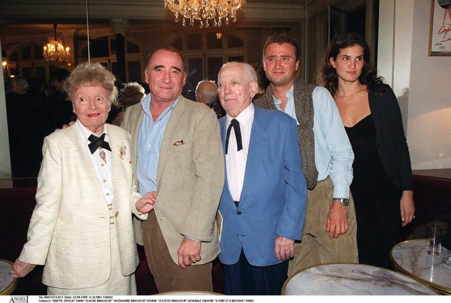 Odette Joyeux avec son fils, Claude Brasseur et son petit fils, Alexandre Brasseur.