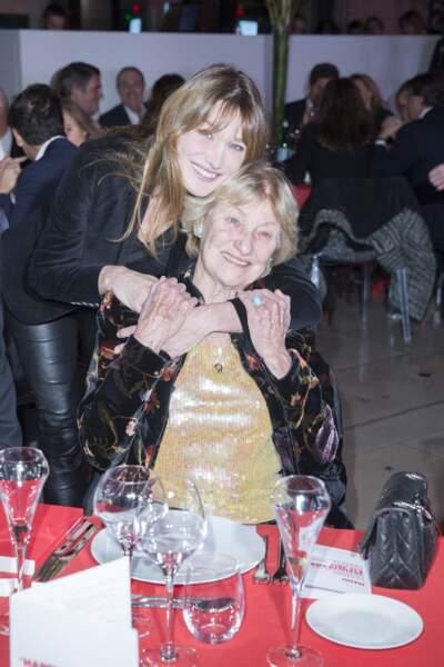 Carla Bruni et sa mère Marisa Borini très complices en 2014.