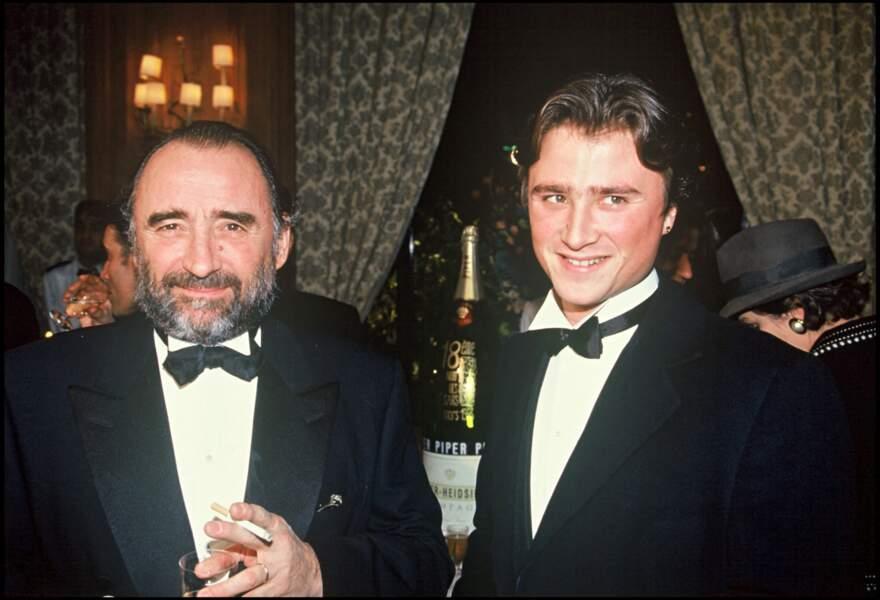 Claude Brasseur avec son fils Alexandre Brasseur lors de la soirée des Césars en 1993.