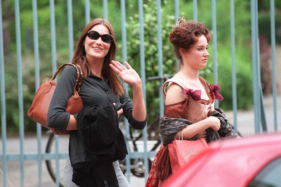 Carla Bruni et son amie Marine Delterme sur le tournage du film Vatel. Elle a été son témoin de mariage.