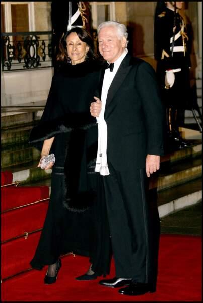 Depuis, Maurizio Remmert et sa femme, Marcia de Luca, ont été adoptés par le clan Bruni-Sarkozy
