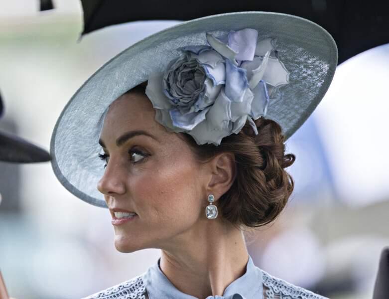 Le double chignon de Kate Middleton à Ascot
