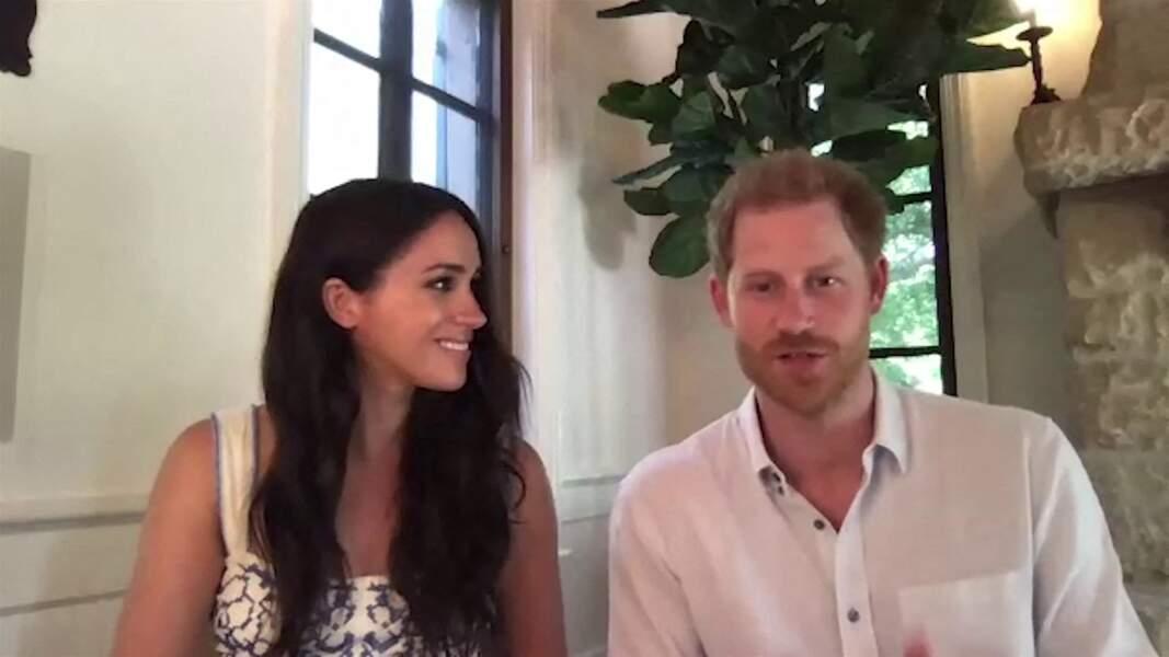 """Le prince Harry et Meghan Markle abordent le rôle des réseaux sociaux et vantent le travail de l'association """"Queen's Commonwealth Trust"""", le 25 août 2020"""