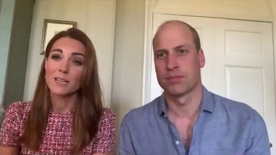Le prince William et Kate Middleton remercient par vidéoconférence le personnel du Surrey Memorial Hospital de Fraser Health en Colombie-Britannique, à l'occasion de la fête du Canada, pour leur travail pendant l'épidémie de coronavirus (Covid-19). Anmer. Le 1er juillet 2020.