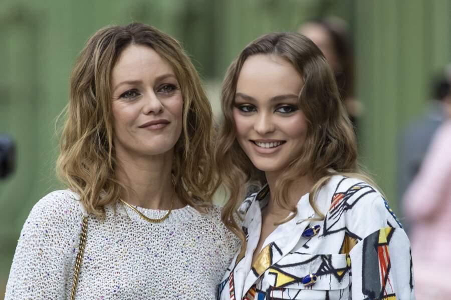 Vanessa Paradis et sa fille Lily-Rose Depp au Grand Palais à Paris, le 3 mai 2019