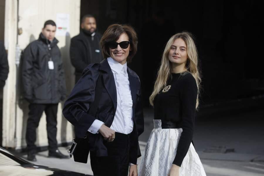 Inès de La Fressange et sa fille Violette Marie d'Urso arrivant au défilé Chanel le 3 mars 2020