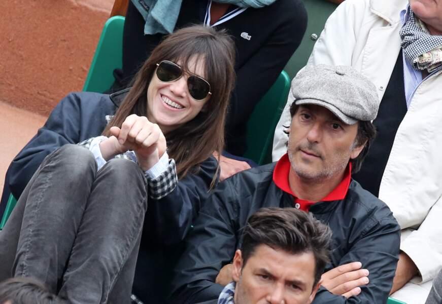 Charlotte Gainsbourg et Yvan Attal, complices, en juin 2013, à Roland Garros.
