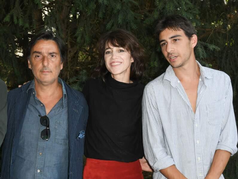 Yvan Attal, Charlotte Gainsbourg et leur fils Ben Attal au festival du Film Francophone d'Angoulême, le 20 août 2019.