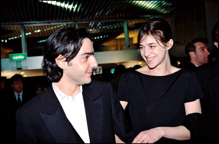 Yvan Attal et Charlotte Gainsbourg, lors de la cérémonie des César en 1995.