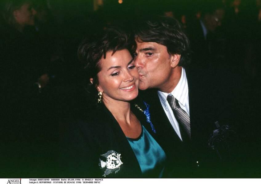 Bernard Tapie avec son épouse, Dominique, en 1996, au festival de Venise.