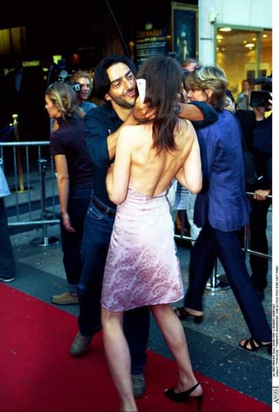 Yvan Attal et Charlotte Gainsbourg à la première du film Eyes Wide Shut, à Paris, en 1999.