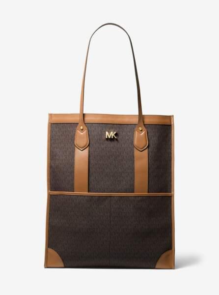 Maxi sac Bay aux lignes épurées et au logo emblématique de la marque, 325€, Michael Kors